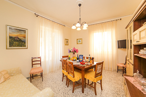 Roses - Apartment in Amalfi